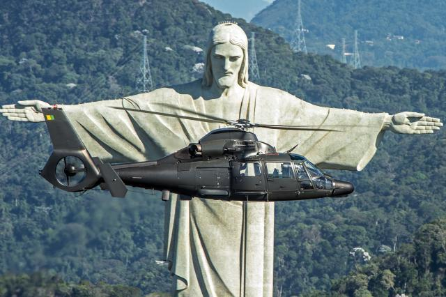 "AVIAÇÃO DO EXÉRCITO OBTÉM CERTIFICADO E SUPLEMENTOS DE VOO DO HELICÓPTERO AS365K2 ""SUPER PANTERA""."