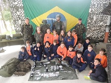 Visita de Alunos do Ensino Fundamental na Semana do Soldado
