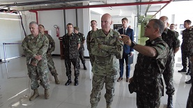 Visita do Comandante da United States Army Cyber Center of Excellence e comitiva